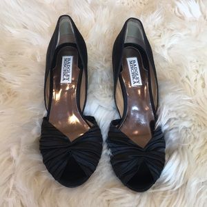 Badgley Mischka satin peep toe pumps size 7